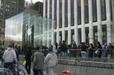 iPad 2 Launch – Fifth Avenue Apple Store - Image 17 of 40